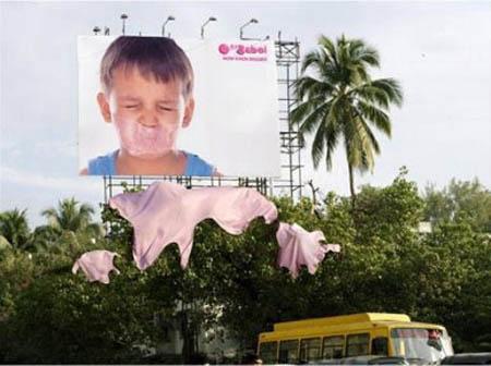 carteles publicitarios niño chicle